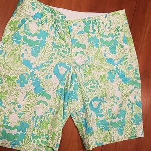 Delightful Lilly Pulitzer chipper shorts